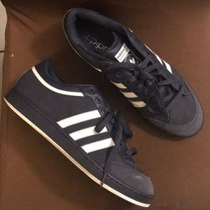 Adidas Americana suedes Shoes